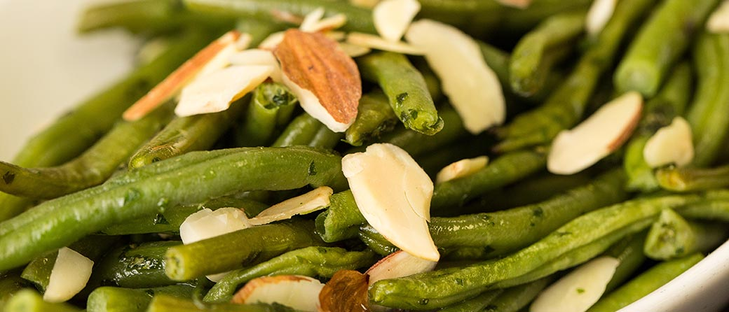 Steamed Green Beans Amandine